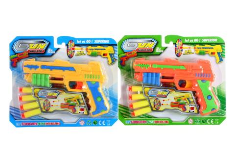 Pistole s náboji na kartě